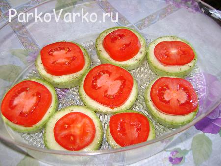 kabachki-v-parovarke-s-pomidorami