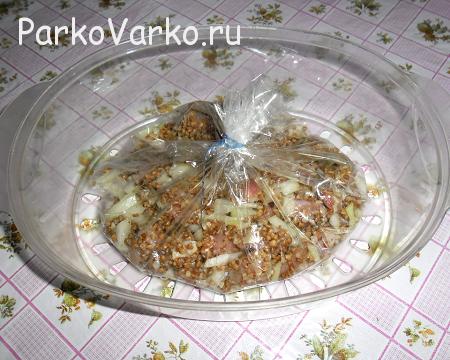 grechnevaya-kasha-s-myasom-v-parovarke